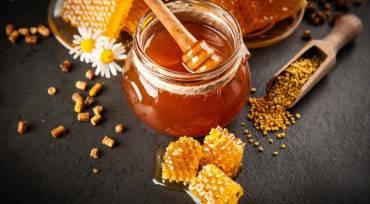 8 presenetljivih stvari, ki jih morate vedeti o medu