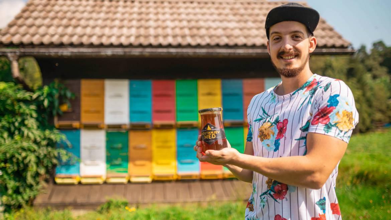 NAŠA ZGODBA – Čebelarstvo KOTNIK – že 65 let